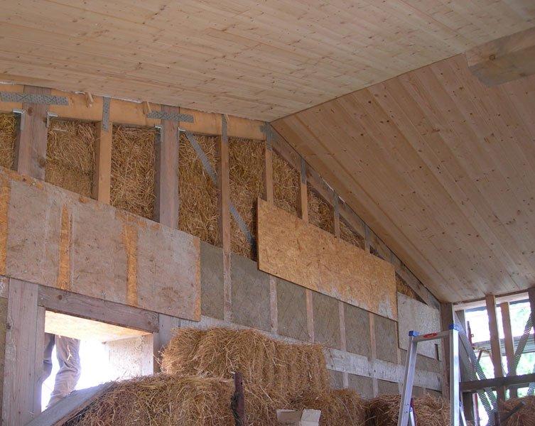 7 motivi per costruire una casa di paglia tecnoacademy - Costruire una casa in paglia ...